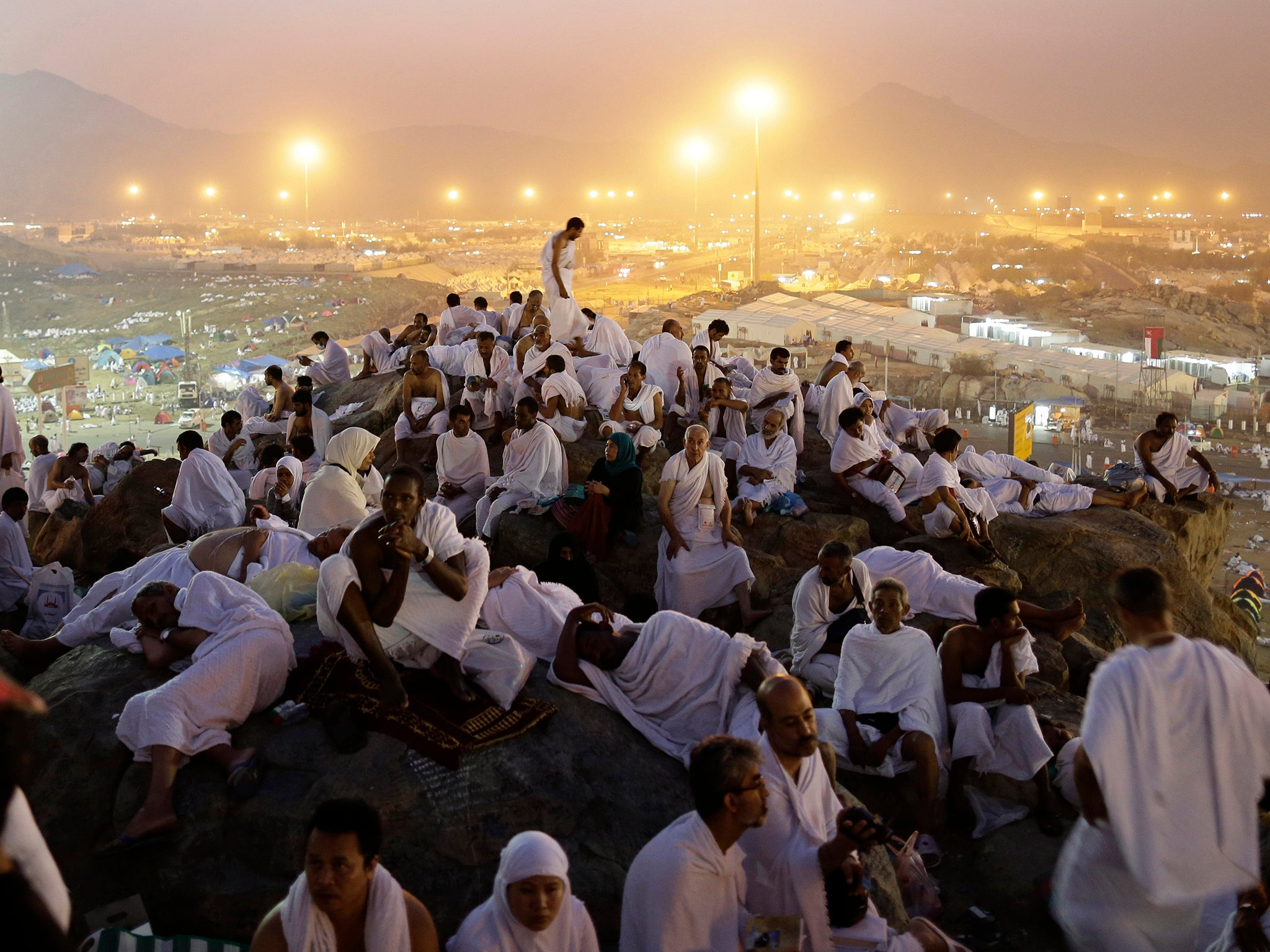 voices comment what muslim pilgrims travelling mecca teach about migrant crisis